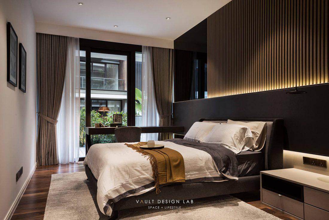 Interior-Design-Shorefront-Condominium-Ytl-Penang-Malaysia-Master-Bedroom-Design-v1