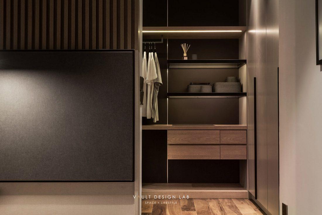 Interior-Design-Shorefront-Condominium-Ytl-Penang-Malaysia-Master-Wardrobe-Design-v1